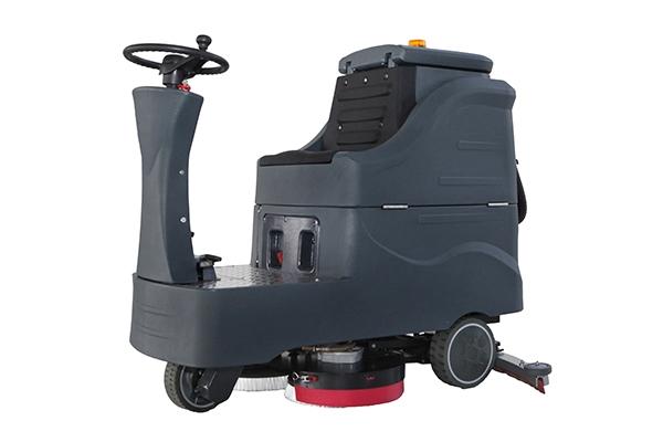 中型驾驶式洗地机